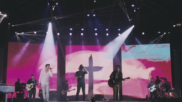 Andre e Felipe feat. Paulo Cesar Baruk - Ele Veio Aqui