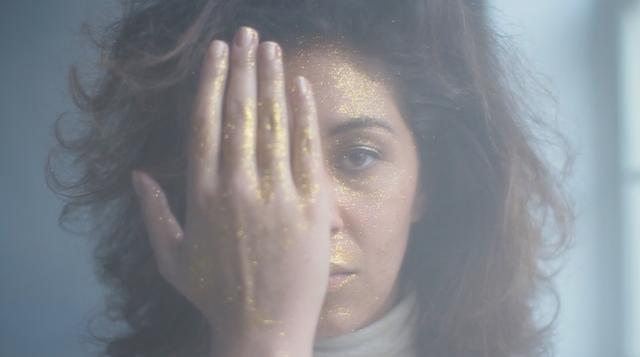 Amber Gomaa - Sun Gazing